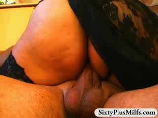 Humide mature chatte pounding