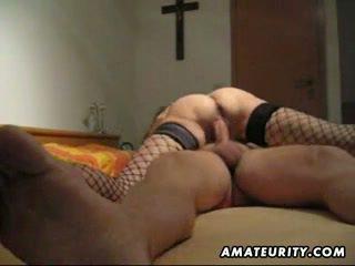 Mature et gros seins amateur femme pipe avec anal creampie