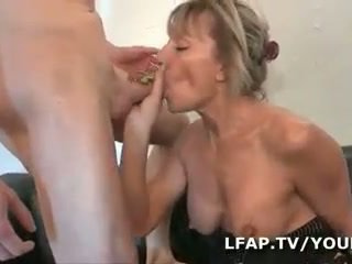 Mature francaise se fait defoncer le cul