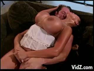 bigtit Ava Devine double penetrated by white and dark meat