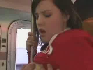 Sexy student entered în greșit autobus video