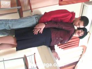Mia 和 lewis 多情 肛門 vid