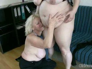 Blondýna babka loves having lezbické sex