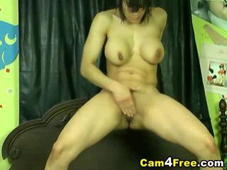 Nikki screws her muff till she squirts!