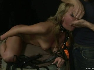 Блондинки gets bondaged и наказани