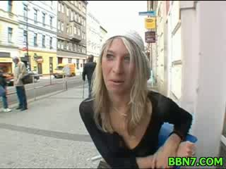 Sexy chick girl keeps moaning