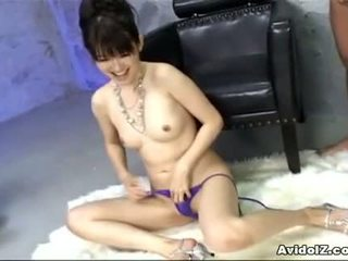 Ai himeno loves kuk erting og gruppe masturbation