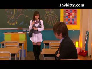 Japonesa aluna has been marota com um pila em dela boca
