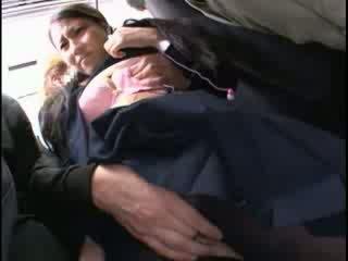 Innocent baben groped till orgasmen på en tåg