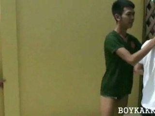 Ταϊλανδός/ή άτριχος γαμήσι τρίο