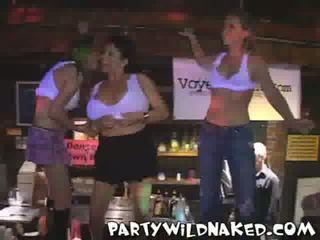 酔った パーティー 女の子 ワイルド ぬれた t shirt コンテスト