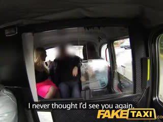 Faketaxi gyzykly seksual taxi dört adam zartyldap sikmek