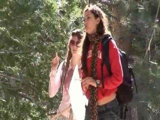 Faye reagan và georgia jones đi ngoài đến công việc trên thier mối quan hệ