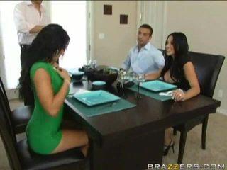 Husbands swap συζύγους προηγούμενος να dinner