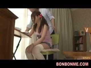 Õpetaja gives seks haridus kuni teismeline rinnakas tüdruk 001