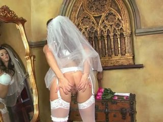 Taylor Vixen Bride In Wgreetingste Nylons Having Funtime Her Clitoris