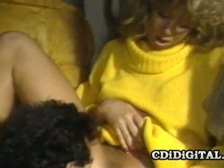 Блонди bee 80s порно зірка banged жорсткий і глибоко