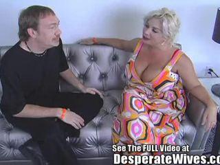 Desperate বউ claudia marie eats cum!min