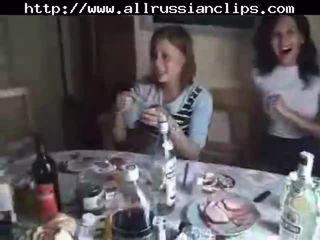รัสเชีย students เพศ ถึงจุดสุดยอด ส่วนหนึ่ง 1 รัสเชีย cumshots การกลืน