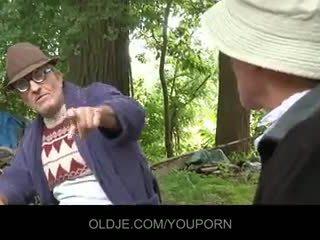 Xưa farts pleasing sừng gà con trong các woods