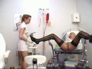 婦人科の examining