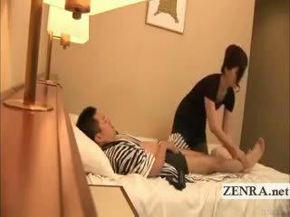 Subtitled jepang masturbation di depan dari milf masseuse