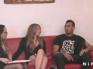 Unge fransk ludder hardt anal knullet i trekant