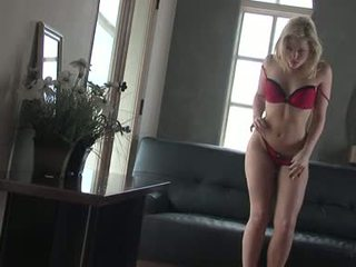 Hot Golden Haired Alexis Texas Starts To Fire Up On Her Naked Body