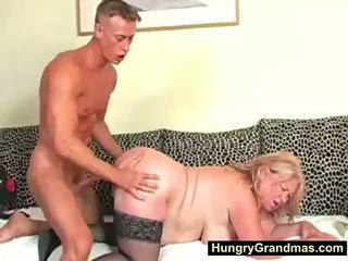 Rubia gorda abuelita edna