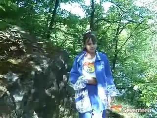 عملاق boobed قانوني عمر teenagerager outdoors