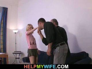 救命 我的 妻子: 老 男人 pays 幸运 dude 到 他妈的 他的 角质