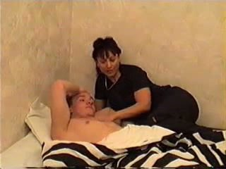 Mère wakes fils pour sexe