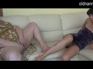 Bbw γιαγιά και νέος κορίτσι μαλακία μαζί βίντεο