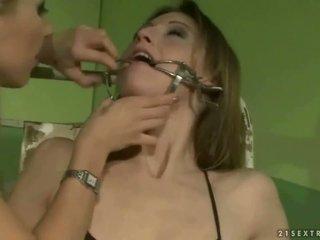 Scolarita punishing o slavegirl