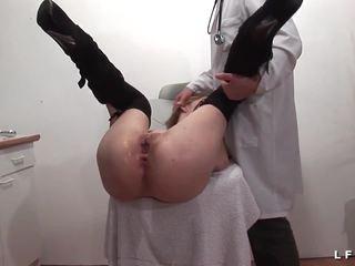 Lavage anal - fisting anal et sodomie chez le gyneco