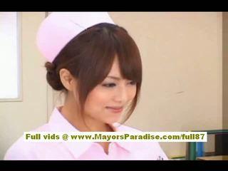 Akiho yoshizawa sexy aziatisch verpleegster enjoys teasing de dokter