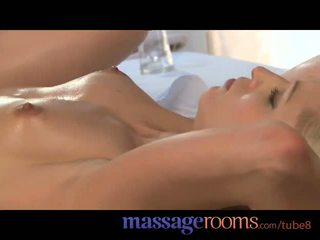 按摩 rooms 涂油 年轻 sluts 得到 性交 硬 和 covered 在 热 附带