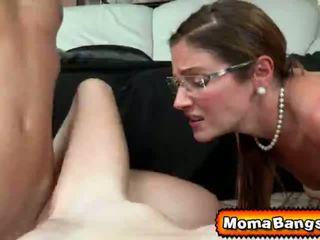 Ava hardy got pounded oleh dia step-mom dengan strap di