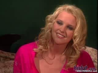 Hannah harper looks như tuyệt đẹp như luôn luôn như cô gets cô ấy âm đạo stuffed