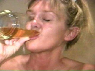 Piss: sherry carter drinken meer oud piss