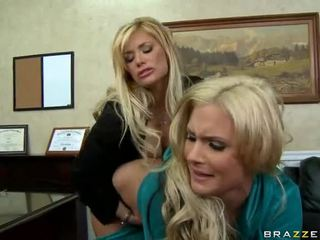 Shyla stylez und phoenix marie are two heiß blondes