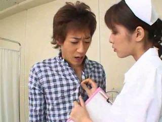 性感 熱 亞洲人 日本語 護士 gives 熱 口交 到 她的 病人