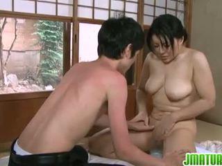 Ιαπωνικό ωριμάζει: ιαπωνικό ώριμος/η μωρό με αυτήν νέος αδύνατος/η lover.