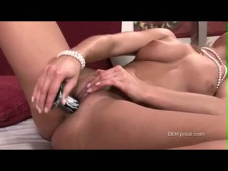 LiLiane Tiger Masturbating Her Cunt With A Hard Toy Until She Cums