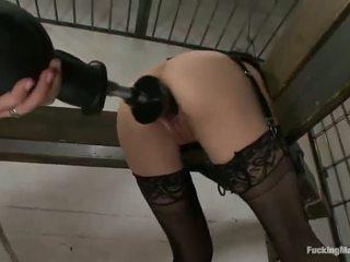 Constrained augšup cytherea has toyed uz viņai sensuous clam uz cietums