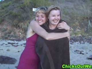 Aussie whore cummed on at the beach