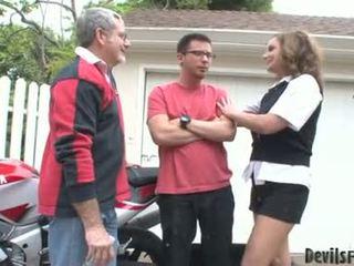 Rebecca bardoux 让 角质 父亲 和 儿子 他妈的 她的 口