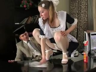 いたずらな ブルネット クリーニング 女の子 で delicious raw プッシー pounding