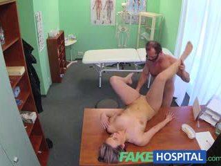 Fakehospital νέος γιατρός gets καυλωμένος/η μητέρα που θα ήθελα να γαμήσω γυμνός και υγρός με desire
