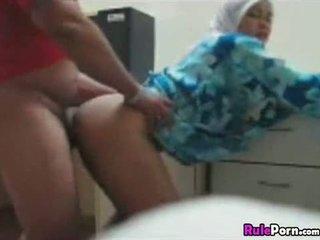 Arab lány szar -től mögött